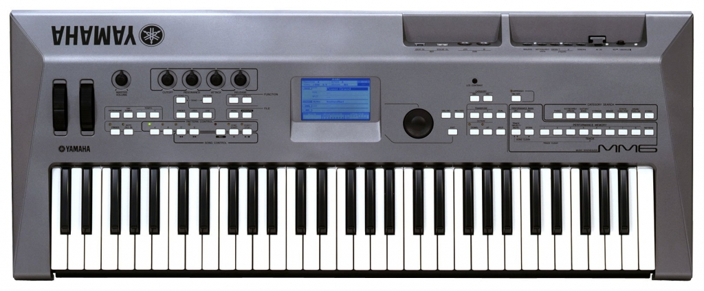 Synthesiser keyboard - Yamaha MM6